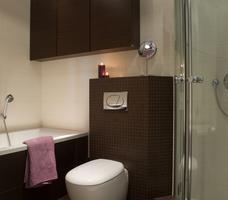 Aranżacje małych łazienek narożna kabina prysznicowa