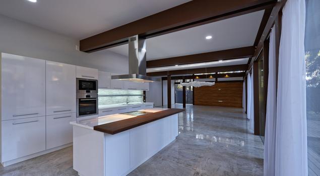 Biała, otwarta kuchnia z wyspą w stylu loftowym – nowocz   -> Kuchnie Nowoczesne Lakierowane Z Wyspą