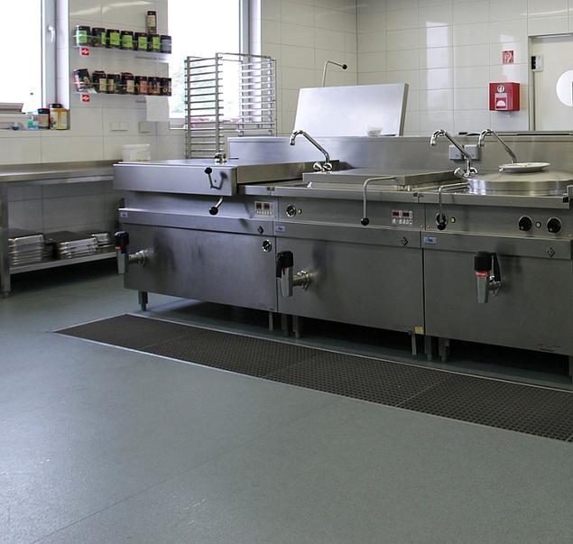 Antypoślizgowe podłogi winylowe do obiektów gastronomicznych